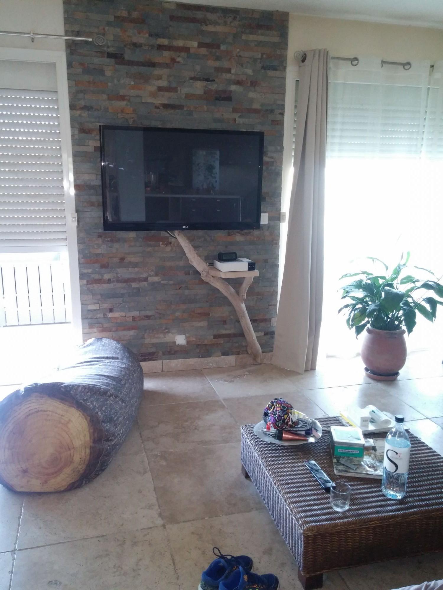 etag re acqua lenghju des meubles en bois flott sur mesure. Black Bedroom Furniture Sets. Home Design Ideas