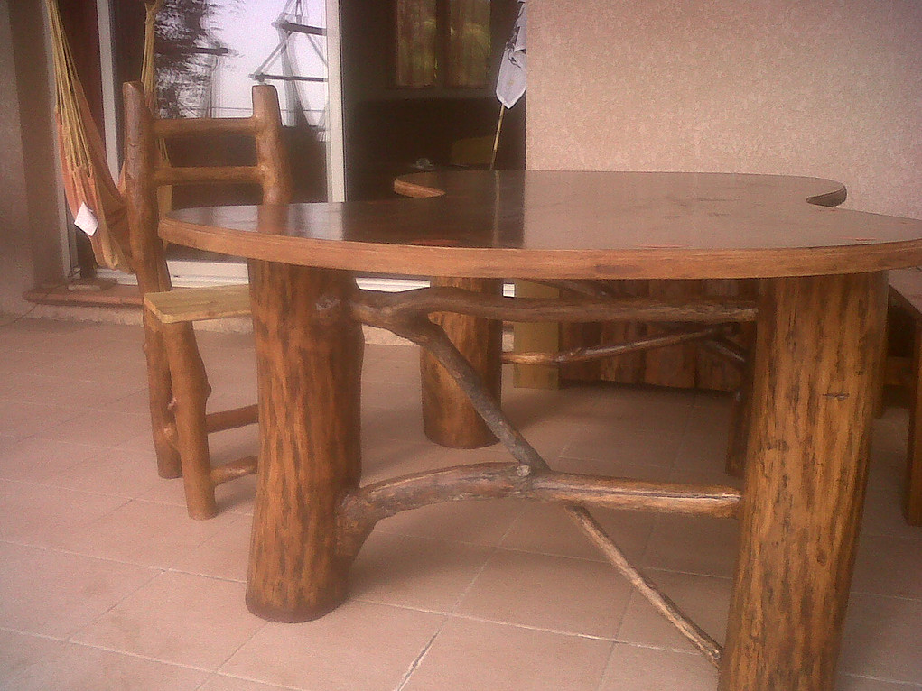 Table basse et chaise